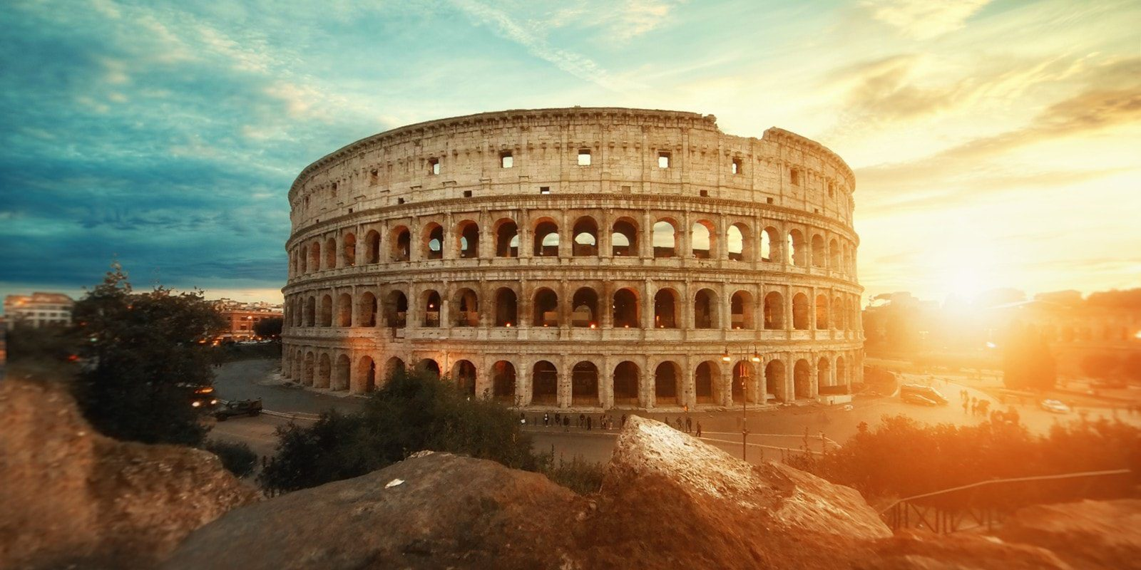 how to see rome for free: colosseum-rome-travel-tips-min